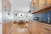 Ett bra arbetskök med plats för köksbord