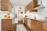 Elegant kök med gott om förvaring