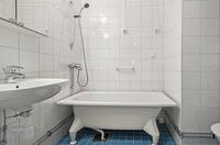 Stambytt helkaklat badrum